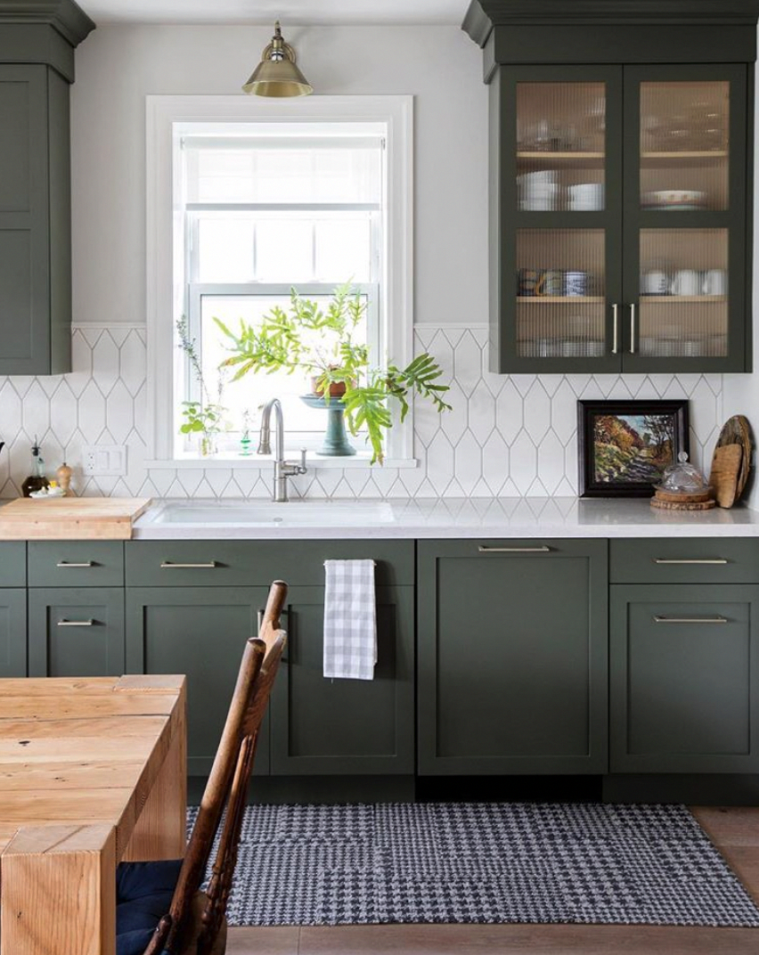 Best Love The Muted Dark Green Kitchen Cabinets And Cool 400 x 300