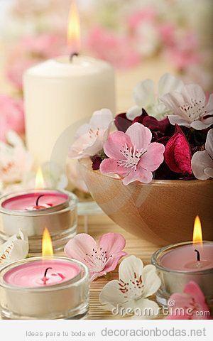 Decoraci n de mesa de invitados con velas rosas y blancas centepieces centros de mesa - Decoracion con velas ...