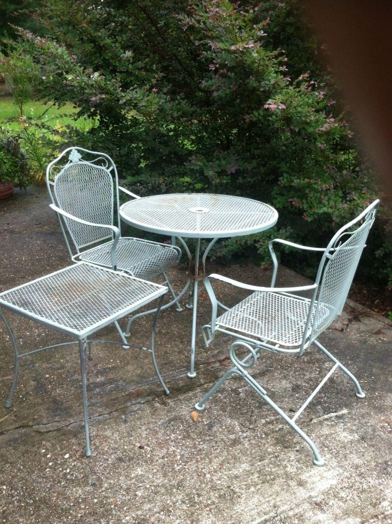Repainting Metal Furniture Easy As 1 2 3 Metal Patio Furniture