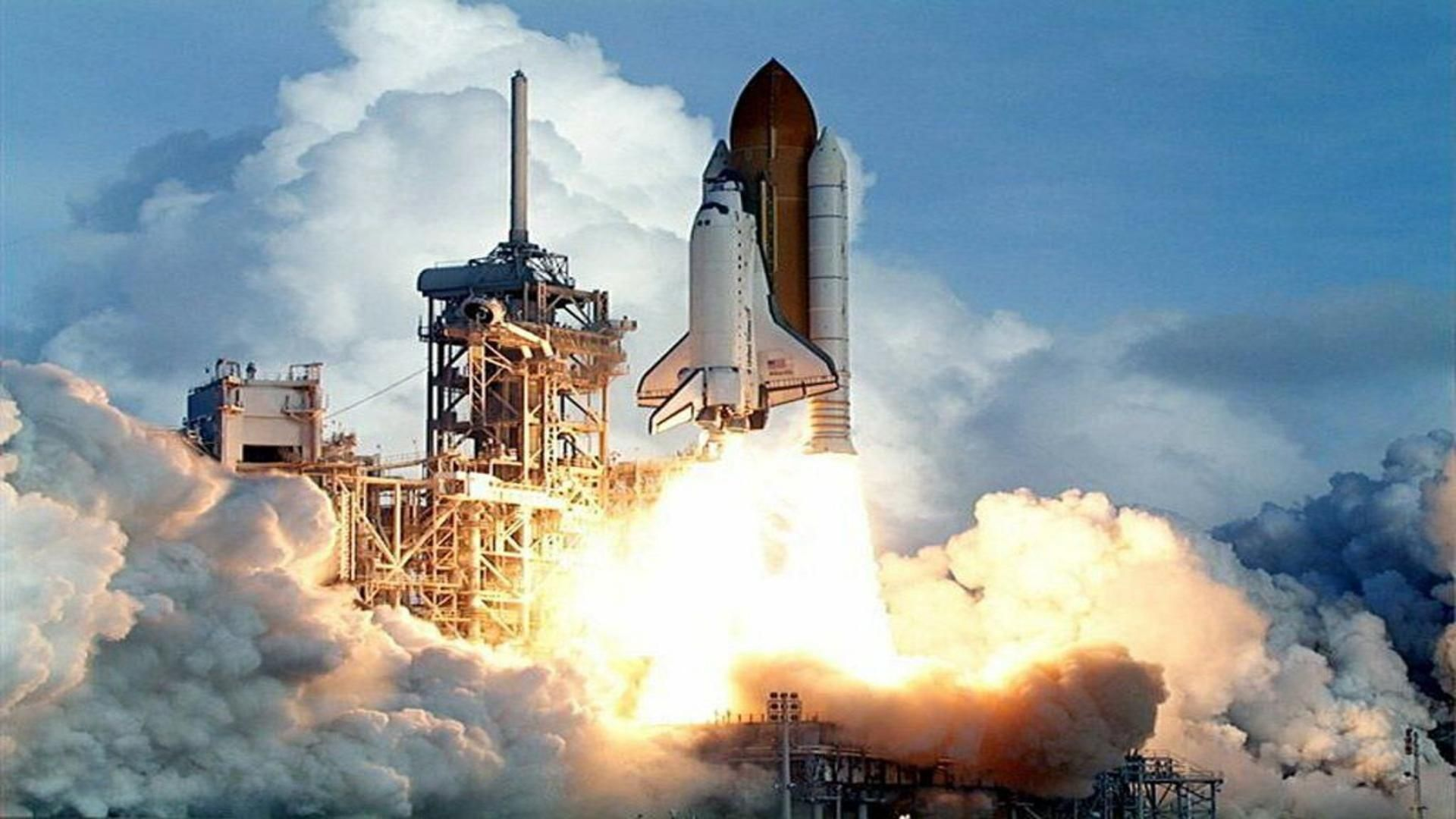 Columbia Shuttle Launching Into Space Free Desktop Background Nasa History Space Flight Space Travel