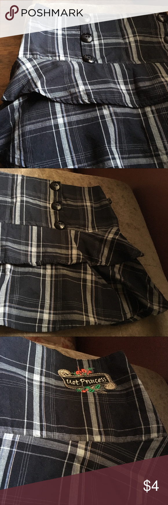 Cute little skirt Plaid skirt with a zipper on one side. Great condition. No imperfections:) not princess Skirts Mini