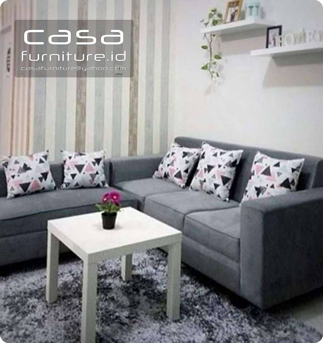 626 Likes 1 Comments Kitchen Set Lemari Minimalis Casafurniture  -> Sala De Tv Com Sofa Roxo
