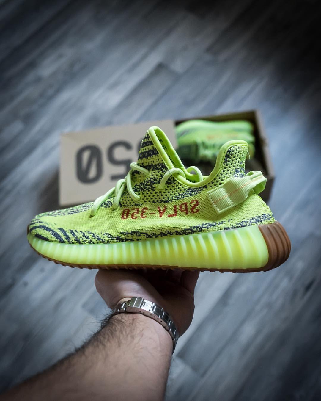 Adidas Yeezy Boost 350 V2: semi - frozen AMARILLO zapatos Converse