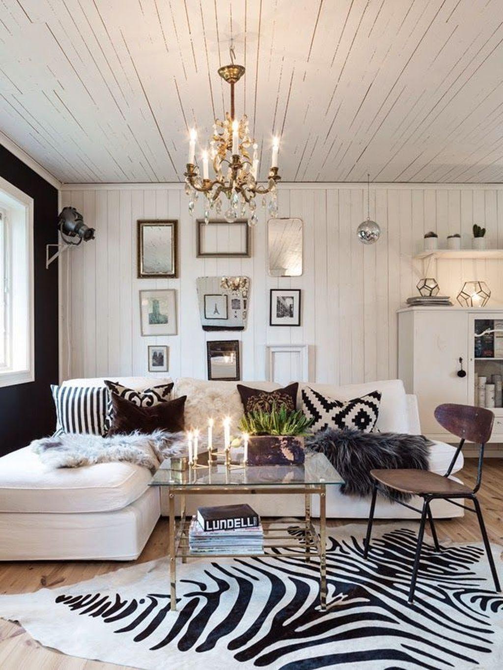 40 Stunning Zebra Print Ideas For Living Room Decoration Rugs In Living Room Living Decor Living Room Carpet