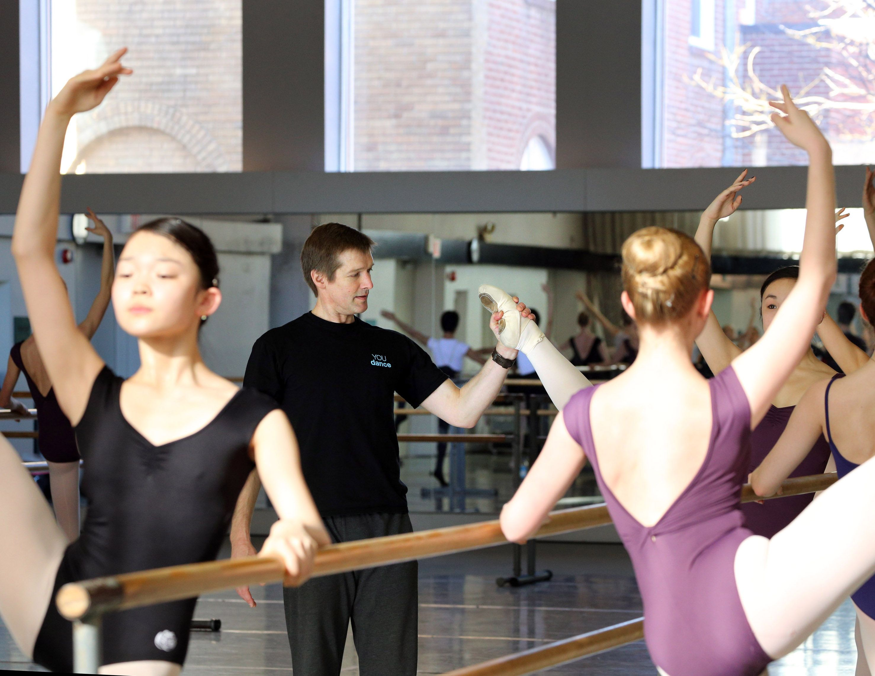 Lindsay Fischer The National Ballet Of Canada Ballet Master And Artistic Director Of You Dance Conducting A Backless Dress Formal Formal Dresses Prom Dresses