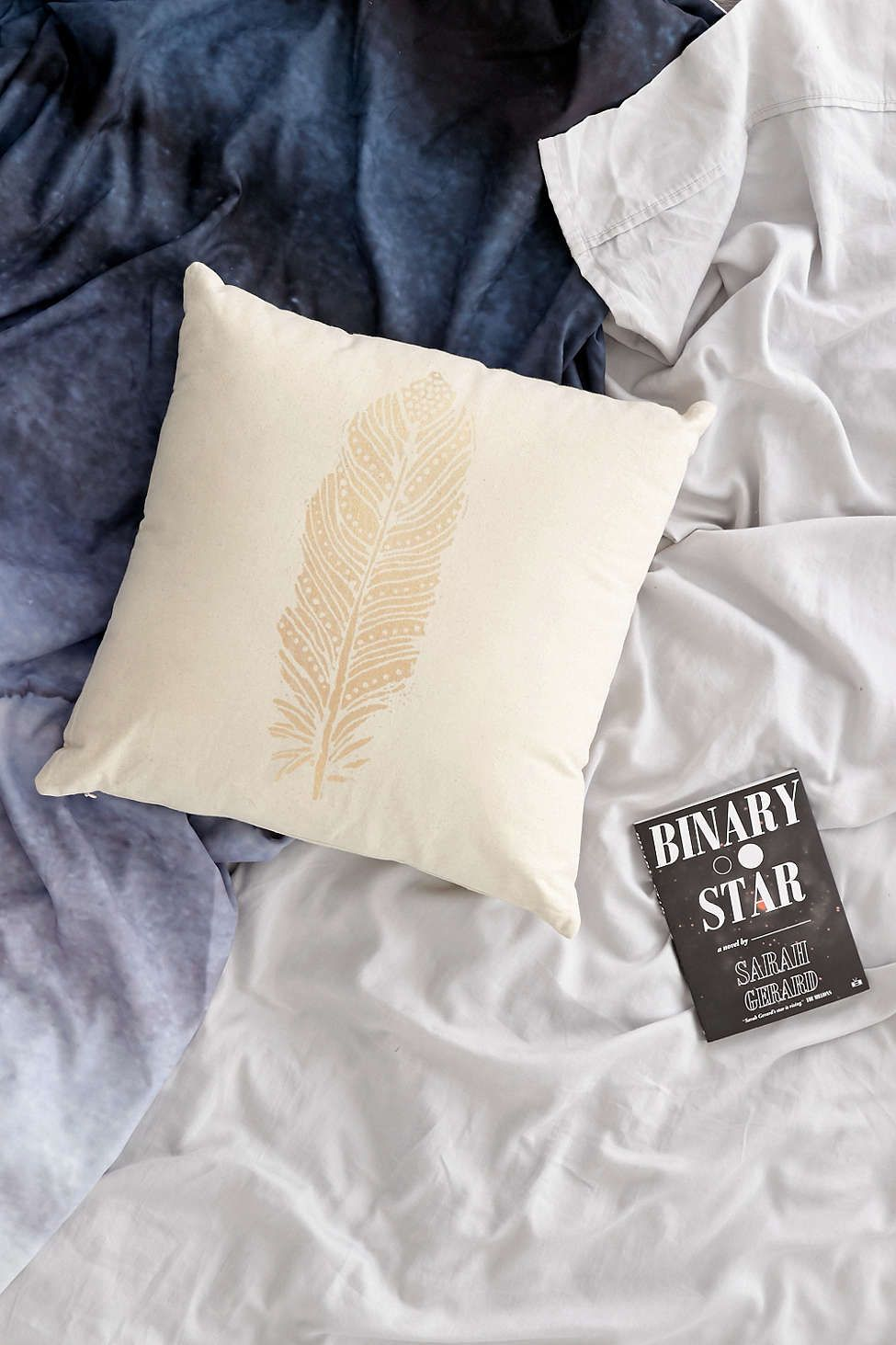 Plum & Bow Field Feather Graphic Pillow. Decorative pilllows are so fun to have and always make me feel a little more put together. #USUMoveIn