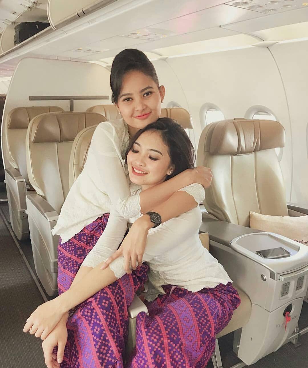 Pramugari Batik Air Di Instagram Peluuk Manjaah Stewardess Aircrew Cabincrew Service Aircrew Flying Pramugari P Pramugari Wanita Terseksi Wanita