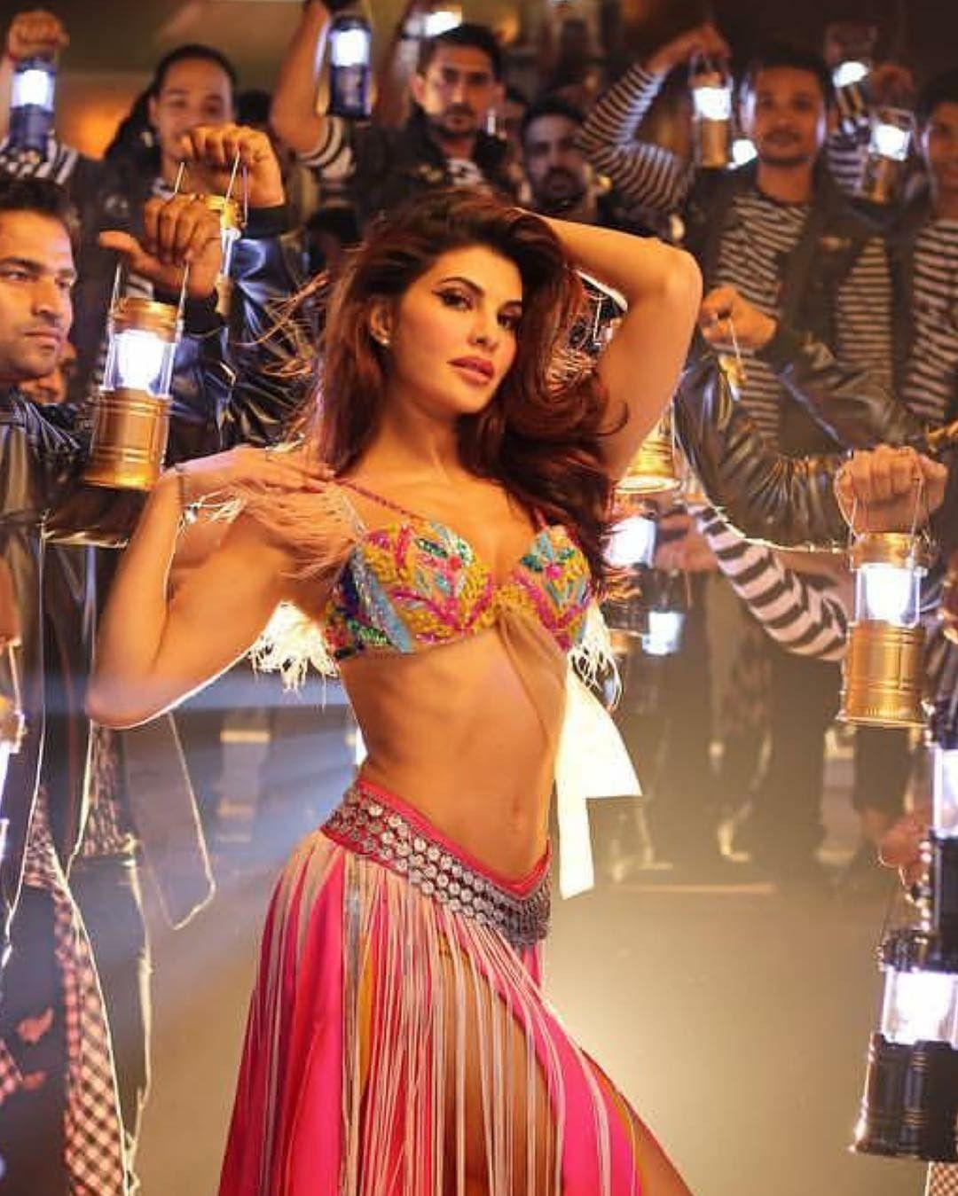 Ek Do Teen Baaghi 2 Djmix: Hot Jacqueline's New Song From #Baaghi 2 #Ek Do Teen