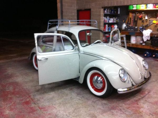 65 Vw bug like the red accents | Briana's board of things she likes