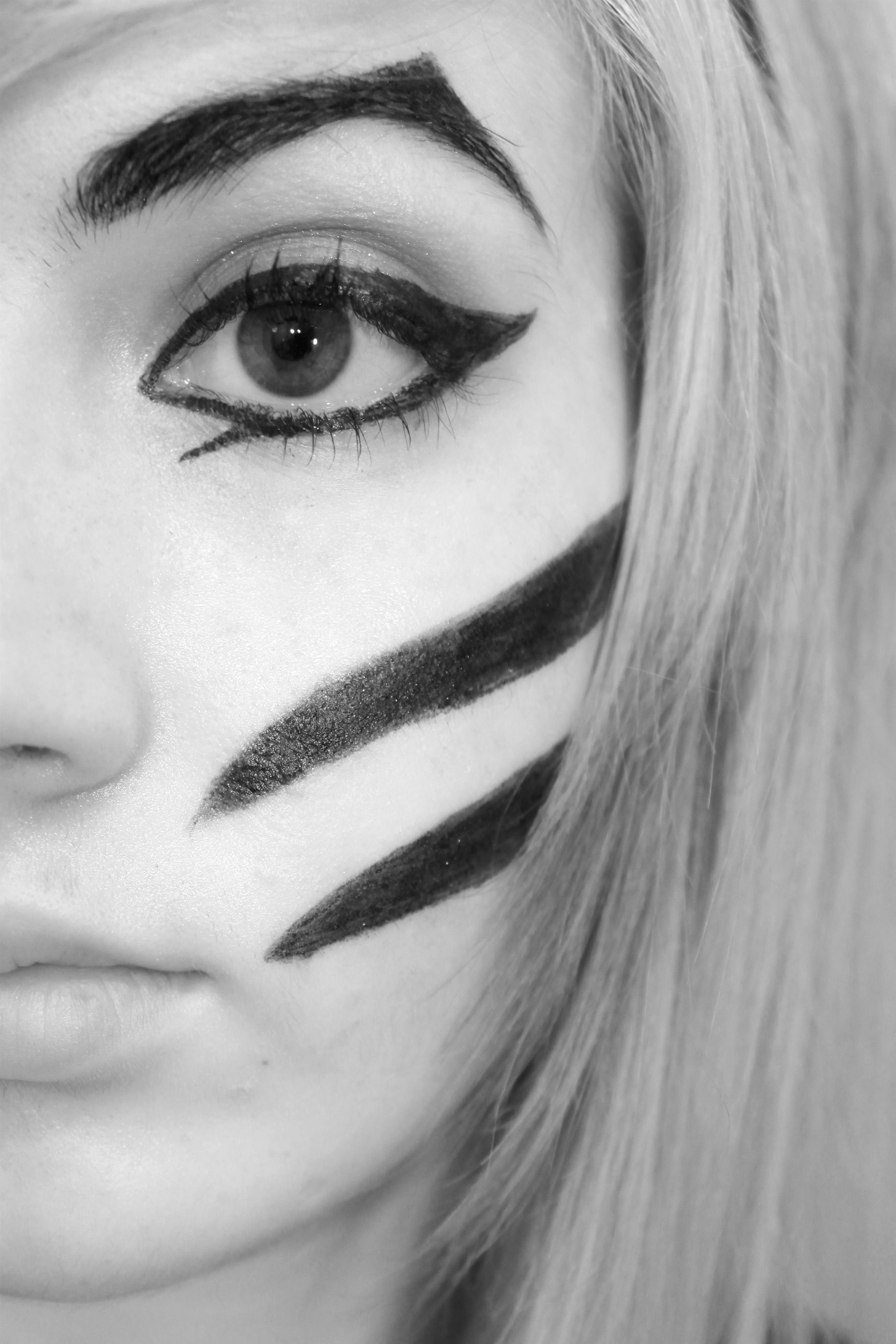 Dahvie Vanity Makeup Make- Inspiration