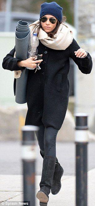 669ff8ed0bb Meghan Markle wears her Prince Harry love bracelet on her way to ...