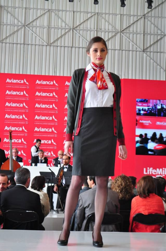 Avianca Uniform,   cabin crew   Pinterest   Auxiliar de vuelo ...