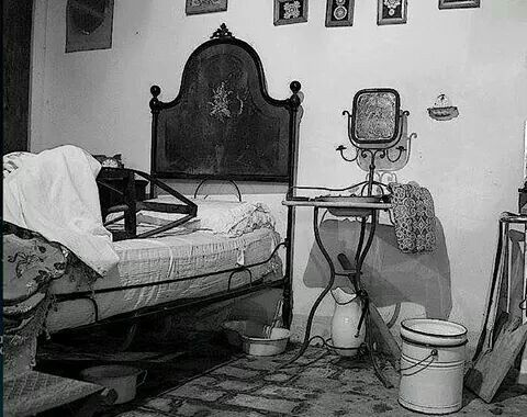 Camera da letto di una volta  vintage photographs  Pinterest  Vintage italy and Vintage ...