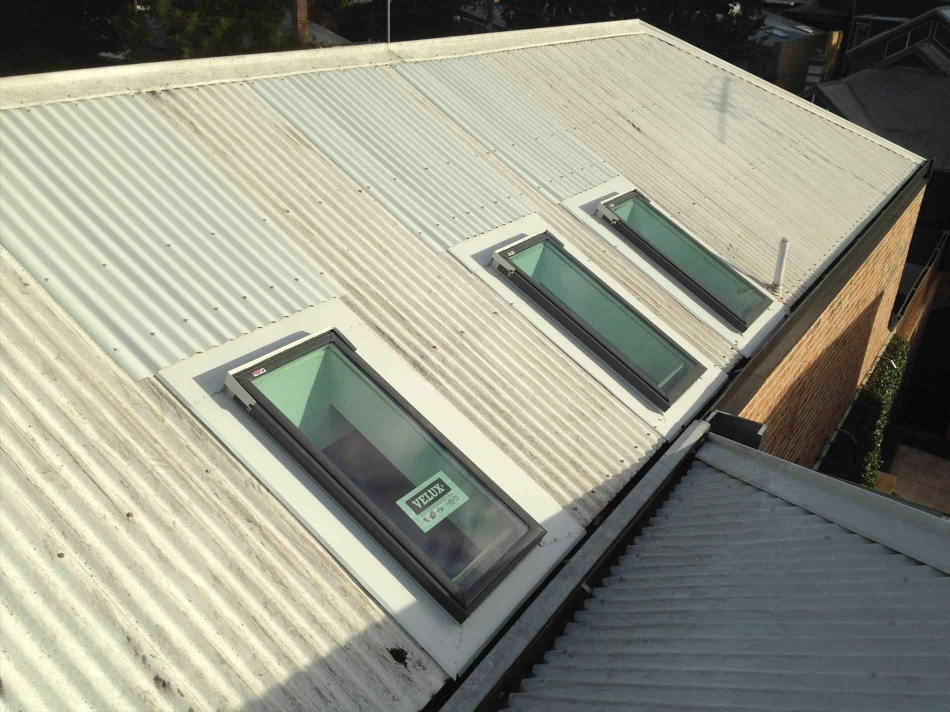 Installing A Skylight In A Metal Roof Home Roof Ideas Roof Skylight Fibreglass Roof Skylight Installation