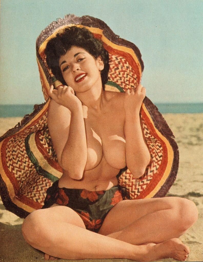 mostly 1950s pinups — Frolic_Apr1963_Vol12_No1_035