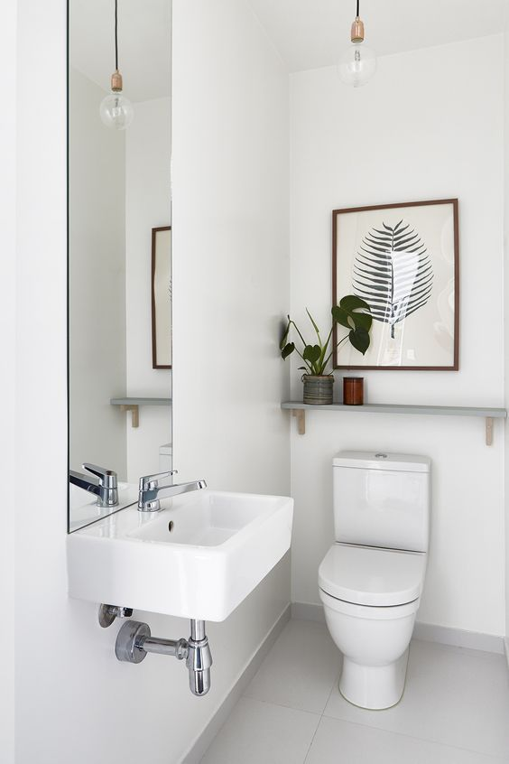 Leuke details in het toilet | Small Toilet Design | Pinterest ...
