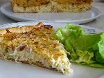 This is a homemade pie with sauerkraut which is delicious and will impress your dinner guests. The pie resemble a quiche but is made with an traditional pie bottom instead of a puff pastry dough. Making a pie with your fermented cabbage is a good way of using leftover sauerkraut you have at home. It is typical to serve a lettuce salad on the side which fits very good with the flavor of the sauerkraut.