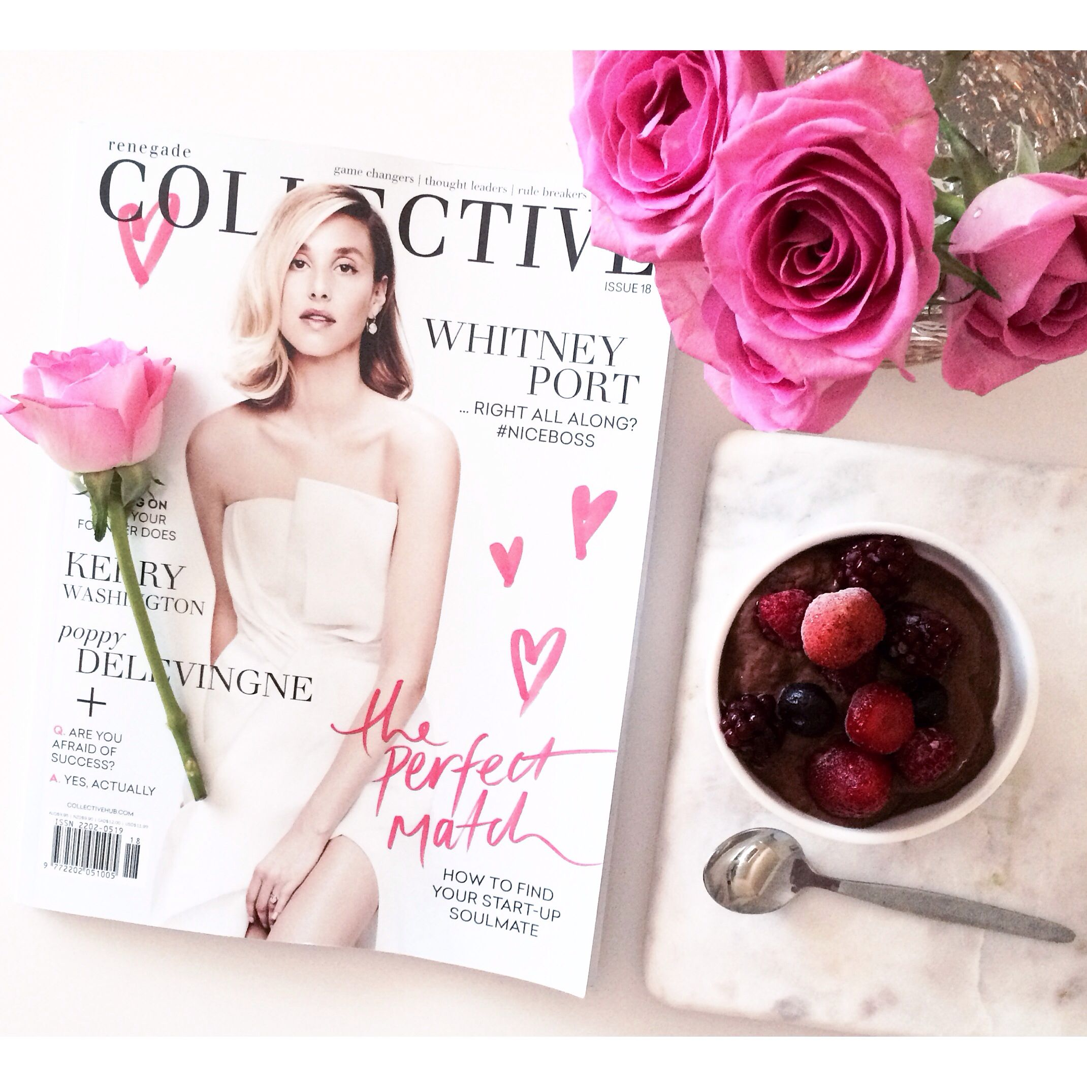 Afternoon delights! The latest @collectivehub + clean avo mousse (recipe by @healing_belle) #collectivehub #magazinelove #flatlay