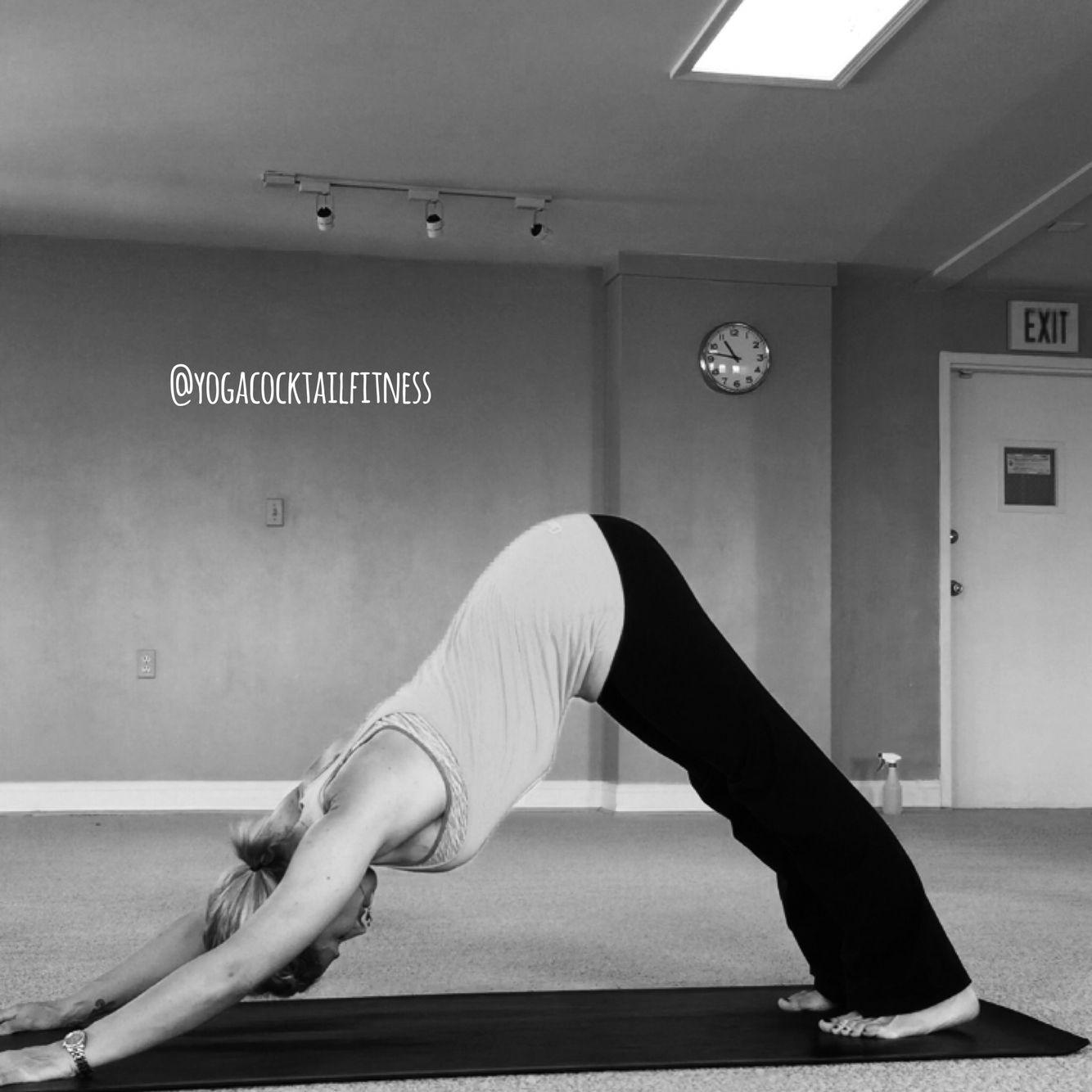 Today's #loveyourasana pose chosen by the lovely @__fitmiss is down ward facing dog or adho mukha svanasana. #yoga #yogagirl #yogachallenge #yogaeverydamnday #yogacocktailfitness @eat_love_yoga #ccy #baltimore #fellspoint #love #fitnessgirl #fitfam #stretch #igyoga