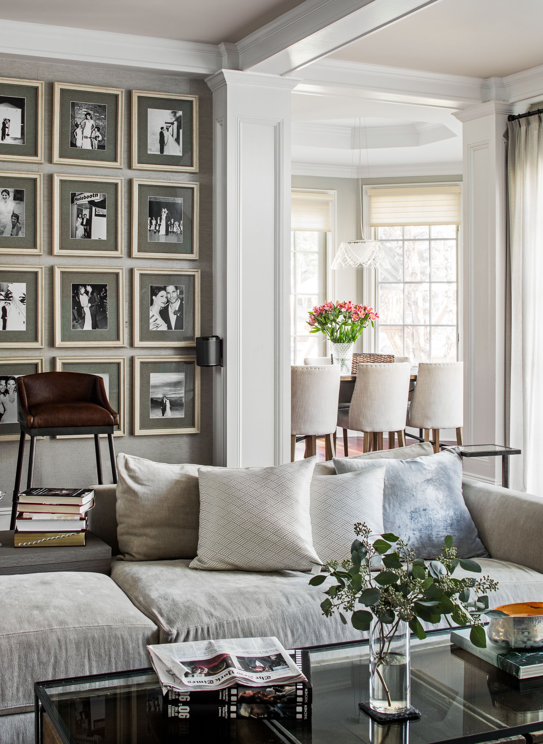 Latest Drawing Room Design: A Classic Neutral Living Room Design Idea With A Black And