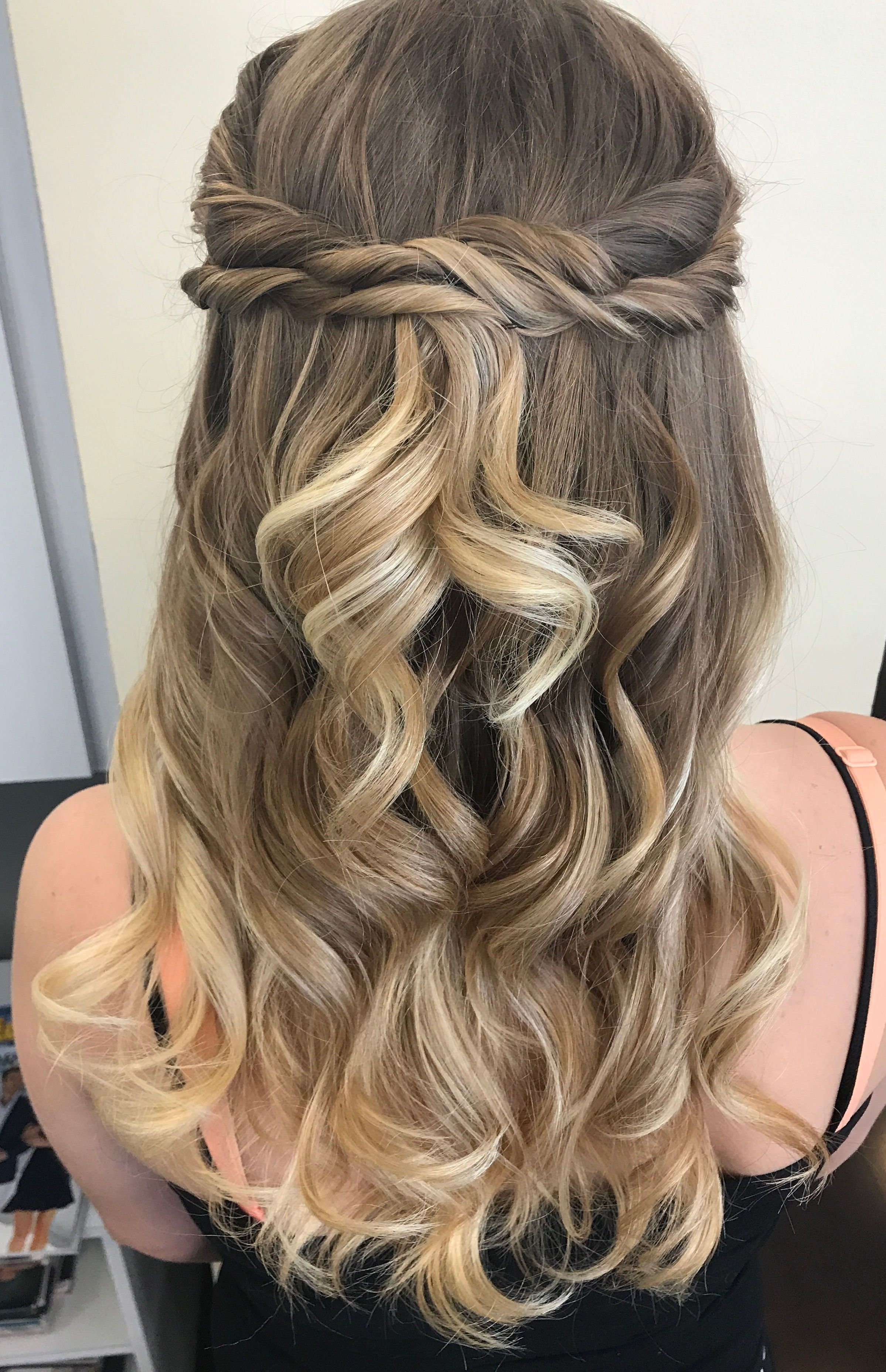 Cut hair prom inspiration advise to wear for spring in 2019