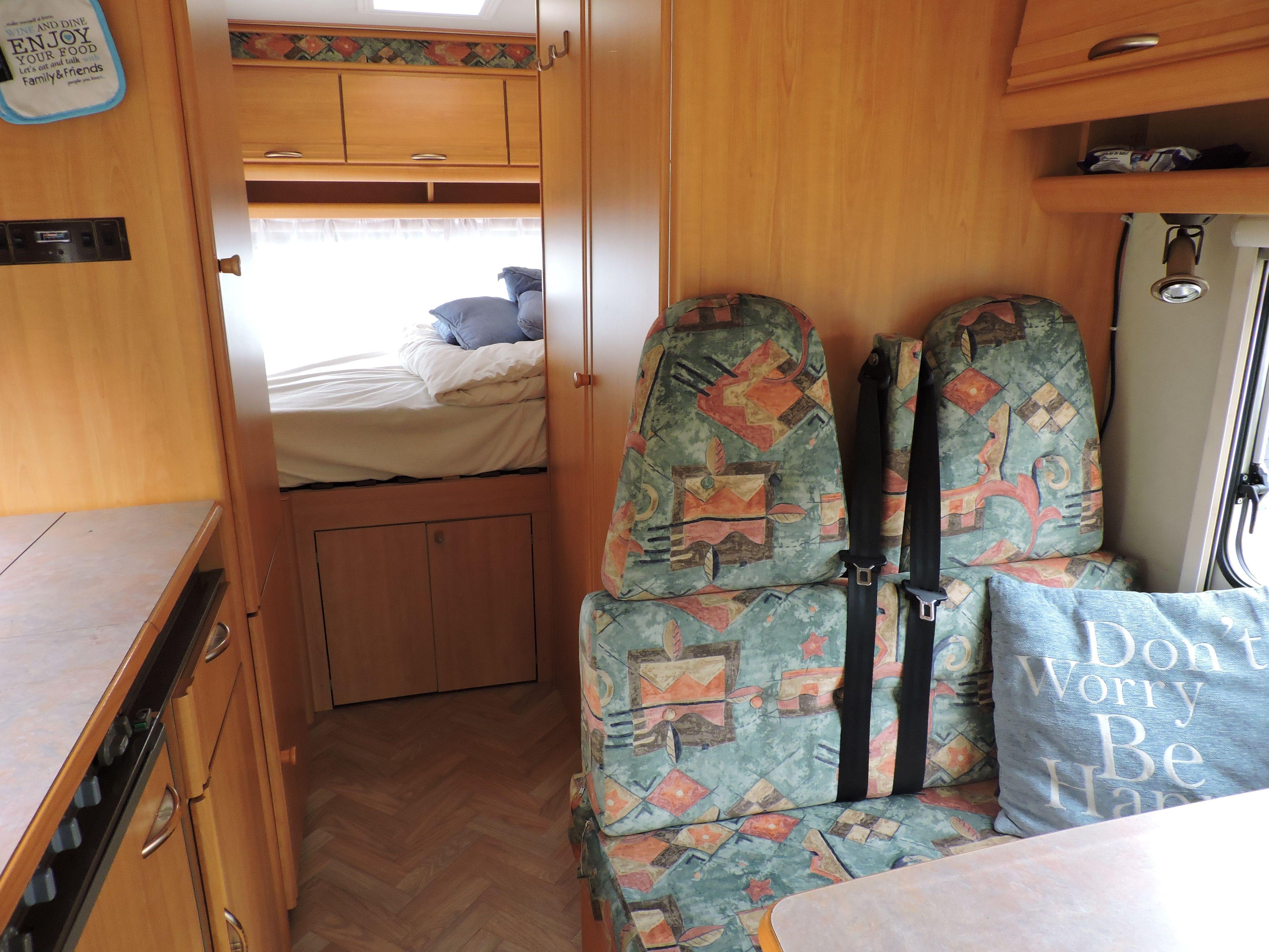 Camper interieur voor het opknappen. | Camper opgepimpt april/mei ...