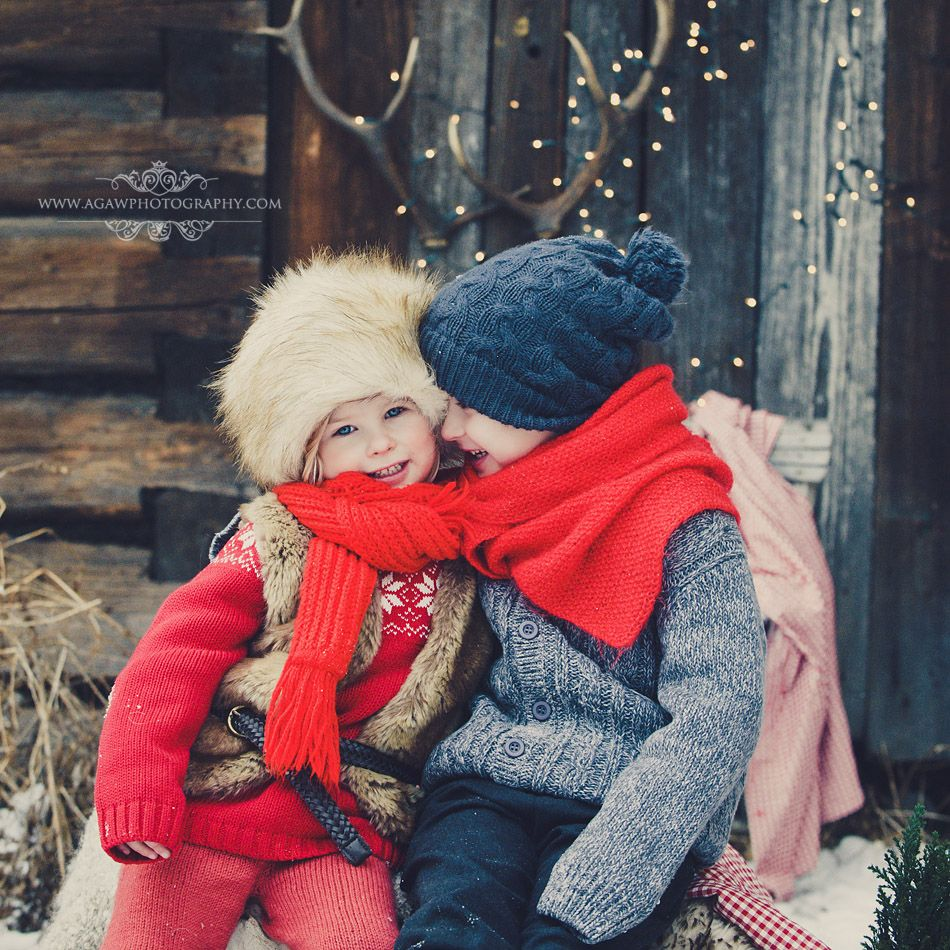Little Ones - What to Wear - Winter Session I love the colors and ...