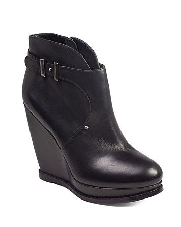 buckle booties. I think i'm addicted to booties.