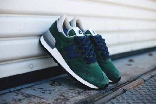 I dig the simple design & colors New Balance 990 – Green / Blue