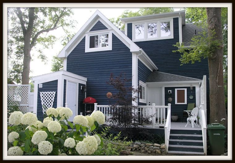 1855 Georgian Colonial Home ~ Would love to live in a Colonial style home.. besides the darker blue siding, this is PERFECT!