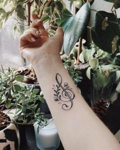 Clave de Sol por Darylis Tattoo - Tatuajes para Mujeres