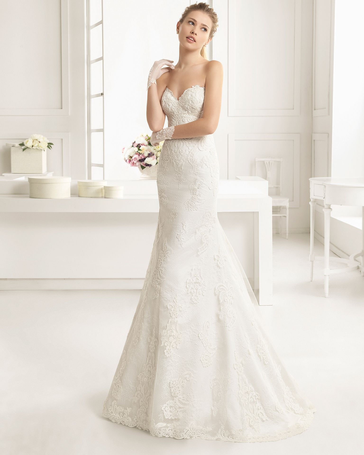 White cocktail dress for wedding  Beaded lace and tulle bridal gown Rosa Clará Two  Collection