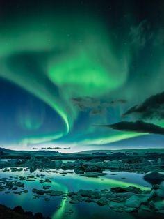 Aurora Borealis over the glacial lagoon #Jokulsarlon #Iceland
