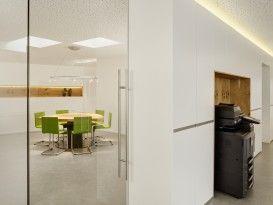 Kopierer, Wandschränke, Glas, Trennwand, Beleuchtung, Besprechungsbereich