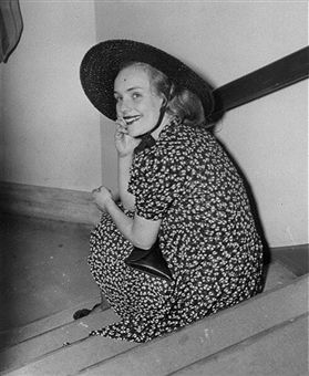Frances Farmer in Supreme Court after being sued by agent for $75,000.