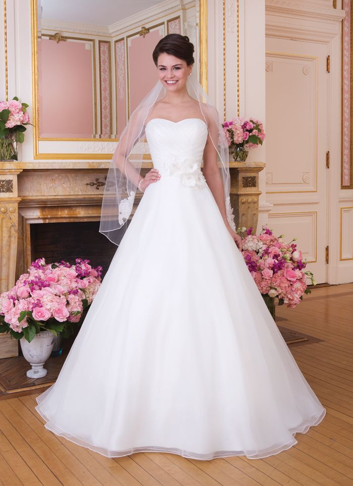 Sweetheart / Wedding Gowns / Style #6029 / Available Colours : All ...