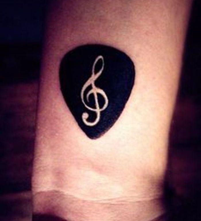 tatouage cl de sol la musique dans la peau tattoo pinterest music tattoos tattoos and. Black Bedroom Furniture Sets. Home Design Ideas