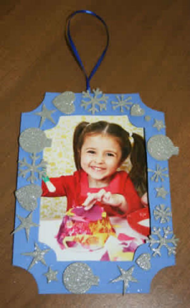 DIY Gifts Kids Can Make | Picture frame ornaments, Ornament and Craft