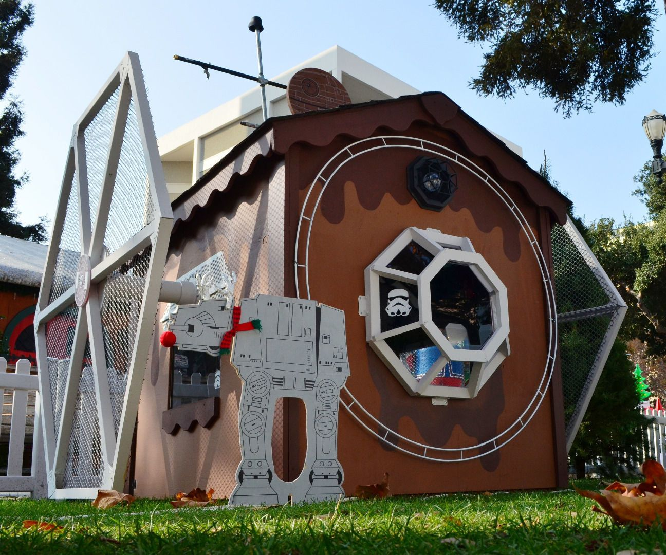 Star Wars Tie Fighter Playhouse Play Houses Diy Playhouse Plans Diy Playhouse