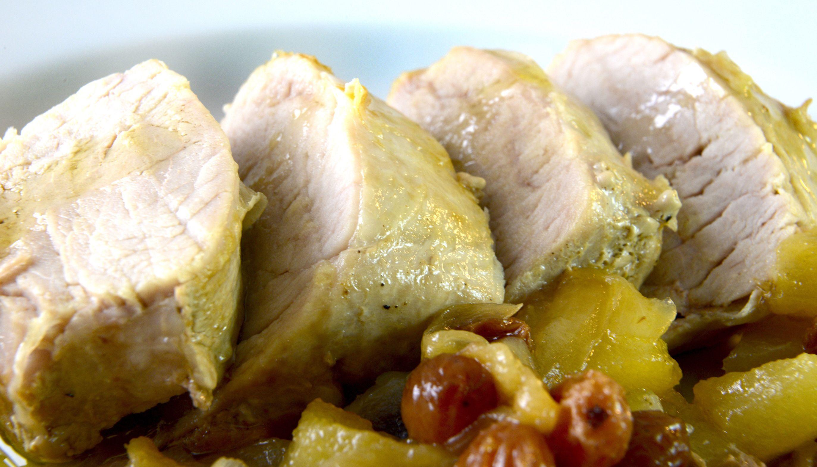 solomillo de cerdo con cebollas y pasas