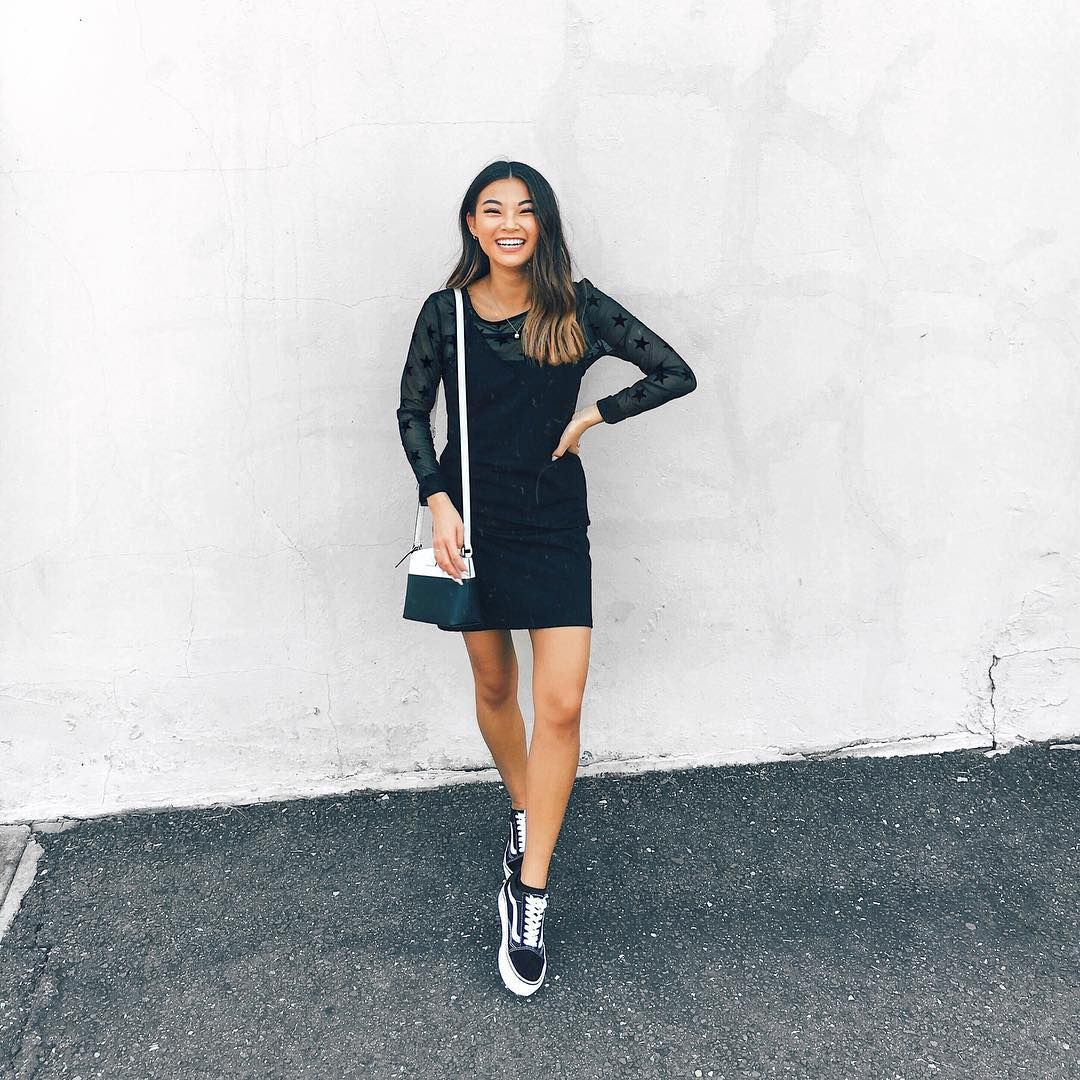 30 Back To School Outfit Ideas You Can Copy All Month Long College Fashionista First Day Outfit Outfits Back To School Outfits [ 1080 x 1080 Pixel ]