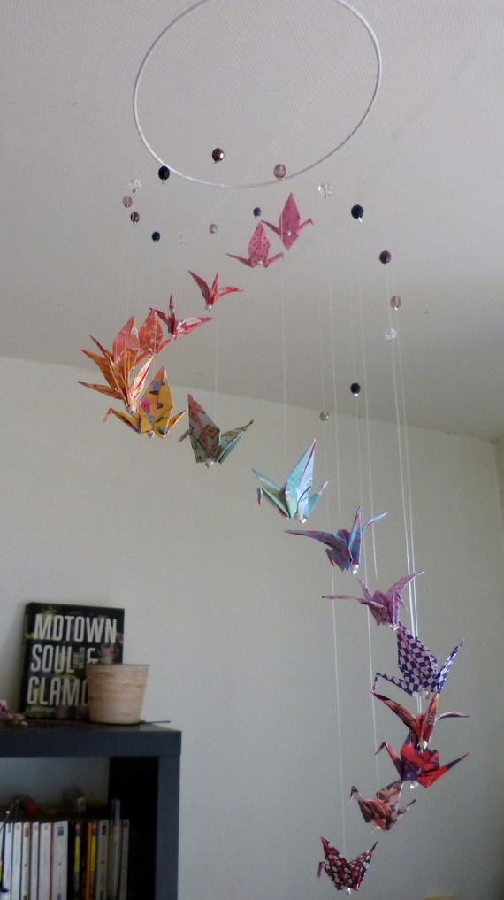mobile b b spirale grues origami et perles by mademoiselle origami. Black Bedroom Furniture Sets. Home Design Ideas