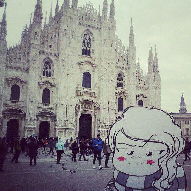 #Duomo #cattedrale #Milano #Marta #turista  #inviaggioconMarta Oltre 100 guglie e migliaia di statue, la cattedrale di Milano è una delle più grandi al mondo! Non è meravigliosa?!
