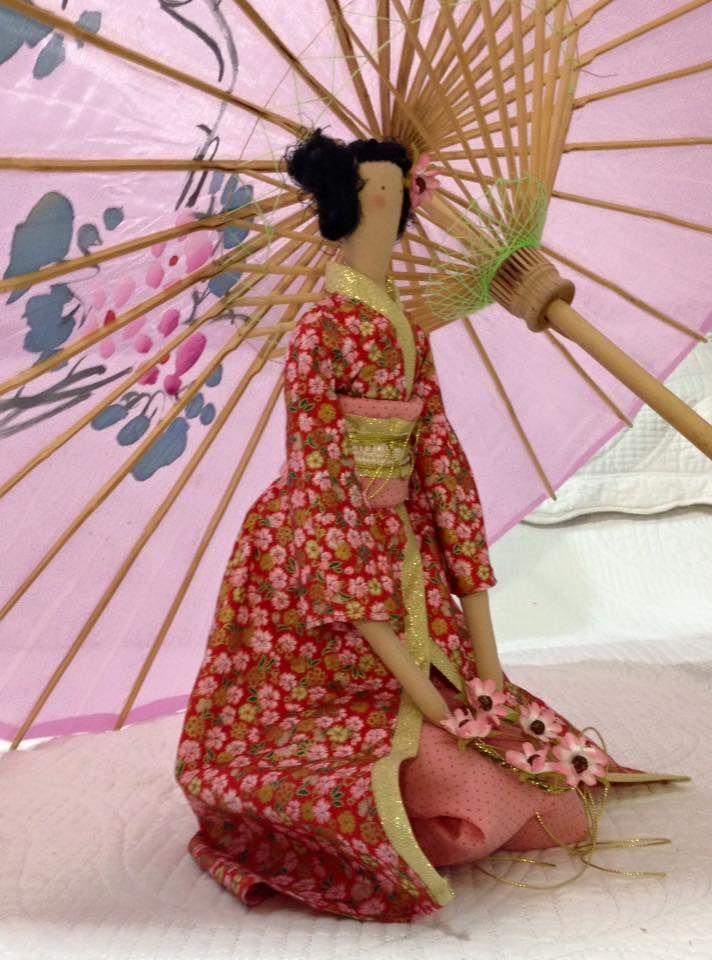 Vestida de japonesa essa Tilda foi mais um desafio ,gostei do ...