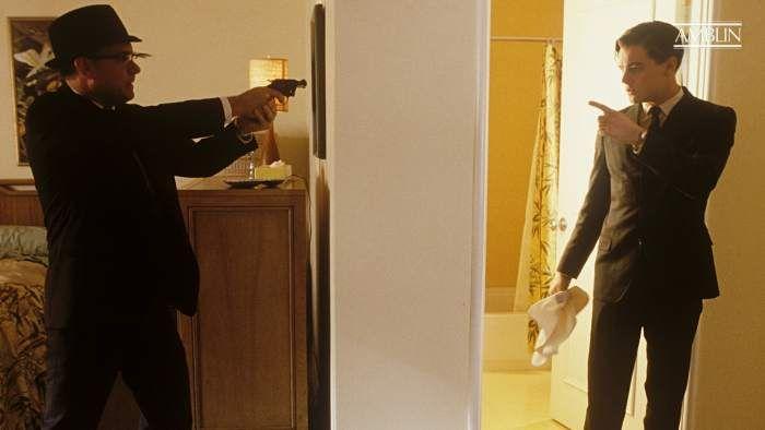 Review Sinopsis Catch Me If You Can 2002 Kisah Nyata Salah Satu Penipu Paling Ulung Di Ame Film Biografi Kisah Nyata Leonardo Dicaprio
