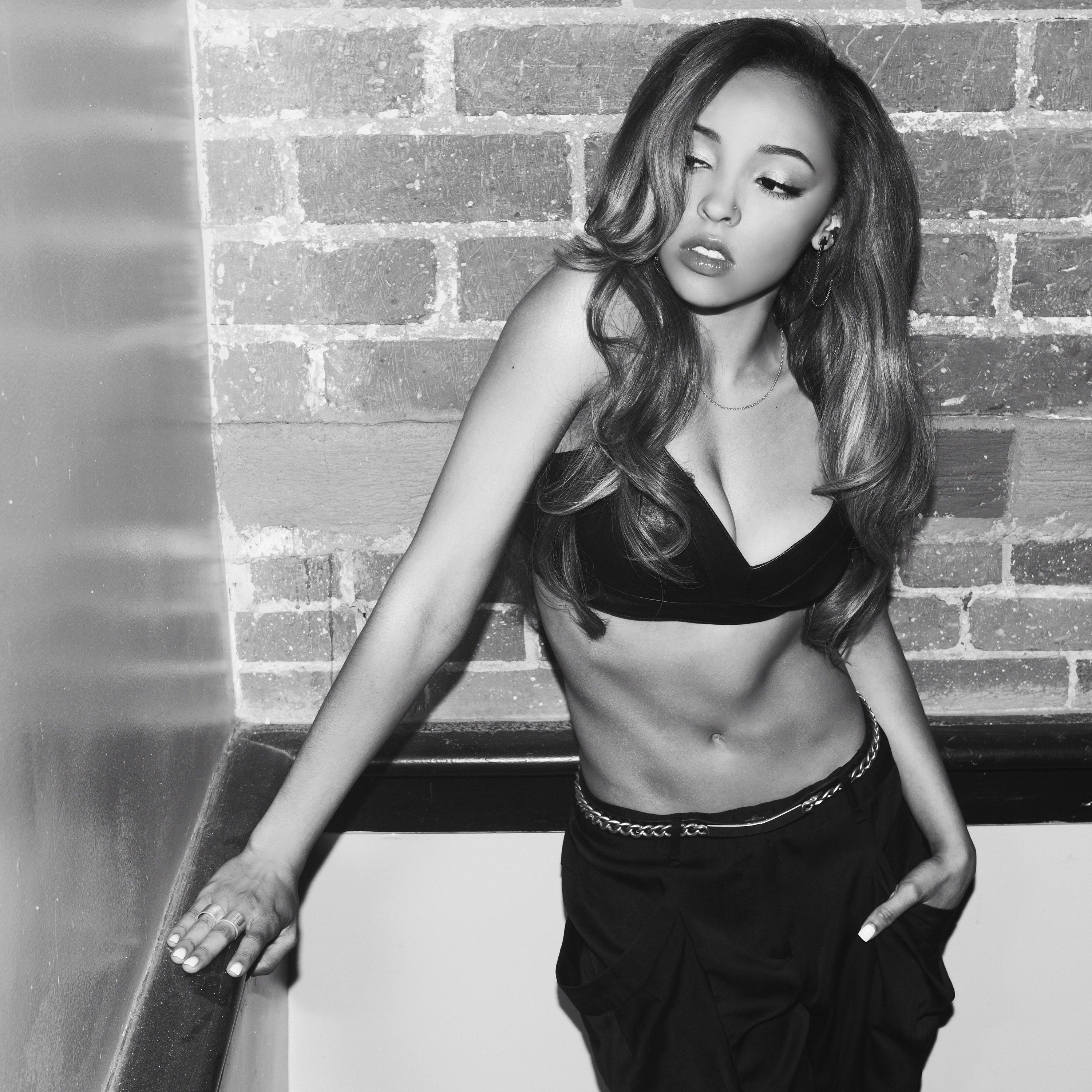tinashe kachingwe; don't really rp her, but i nut when i see her.