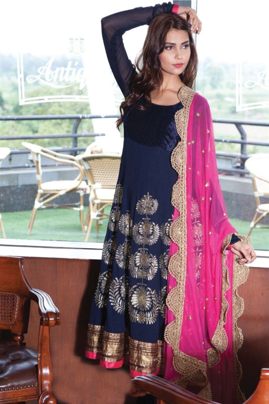 Th colour combo..th broad lace on dupatta