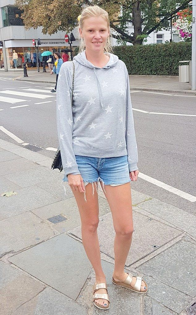 829c80c079680 Lara Stone in London