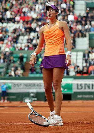 Serena Williams shocked by Garbine Muguruza in French Open ...