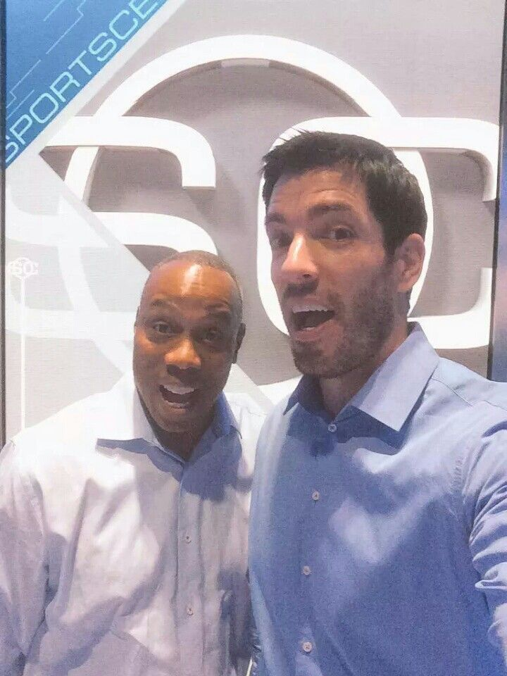 I'm itching to get back to @SportsCenter! Maybe @JayHarrisESPN can bring me back to @ESPN!! :)